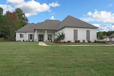 Madison Single Family Home For Sale: 120 Carrington Dr