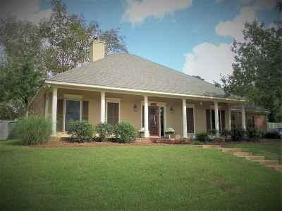 Brandon Single Family Home For Sale: 214 Overland Ln