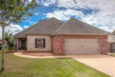 Flowood Single Family Home For Sale: 1013 Abundance Pl