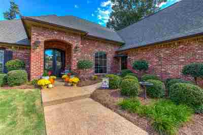 Madison Single Family Home For Sale: 144 Woods Crossing Blvd