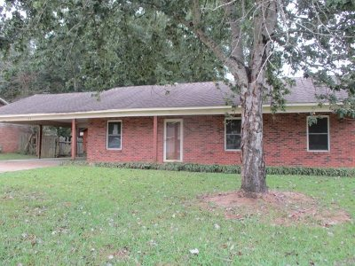 Clinton Single Family Home For Sale: 105 Willowbrook Dr