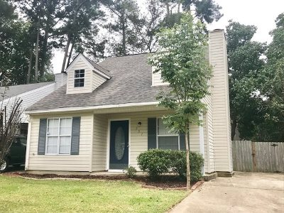 Brandon Single Family Home For Sale: 337 North Grove Cir