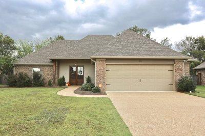 Madison Single Family Home For Sale: 1999 East Ridge Cir