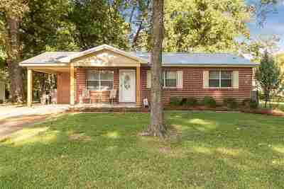 Pearl Single Family Home For Sale: 301 Lionel Rd