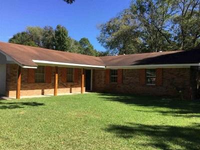 Clinton Single Family Home For Sale: 906 Cedar Hill St
