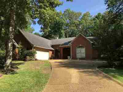 Madison Single Family Home For Sale: 101 Hickory Glen