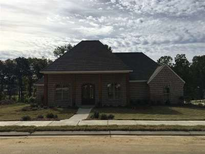 Madison County Single Family Home For Sale: 340 Grayhawk Dr