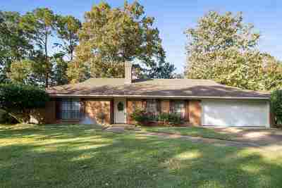 Ridgeland Single Family Home Contingent/Pending: 146 Wheatley Pl