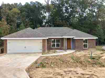 Byram Single Family Home Contingent/Pending: 187 Gaddy Dr