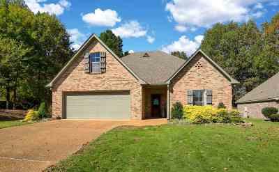 Lake Caroline Single Family Home For Sale: 113 Seville Way