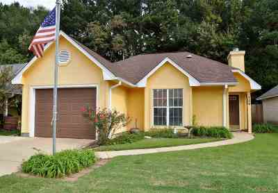 Pearl Single Family Home For Sale: 126 Shadow Lodge Cir
