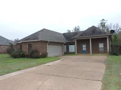 Florence, Richland Single Family Home For Sale: 121 Carriage Ln