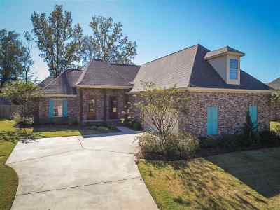 Madison County Single Family Home For Sale: 105 Camden Shores