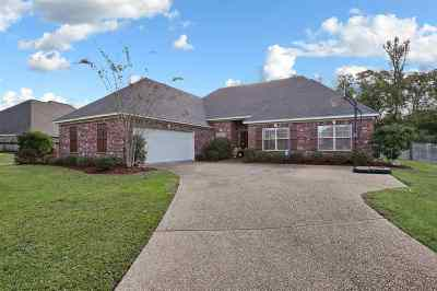 Clinton Single Family Home Contingent/Pending: 109 Stonewalk Ct