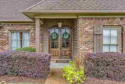 Madison County Single Family Home For Sale: 140 Beaufort Cir