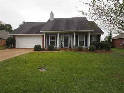 Flowood Single Family Home For Sale: 525 Laurelwood Dr