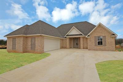 Madison County Single Family Home For Sale: 407 E Buttonwood Lane