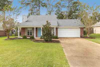Pearl Single Family Home Contingent/Pending: 143 Live Oaks Blvd