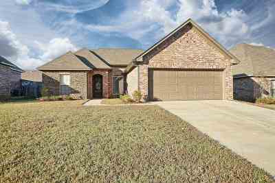 Brandon Single Family Home Contingent/Pending: 143 Greenfield Ridge Dr