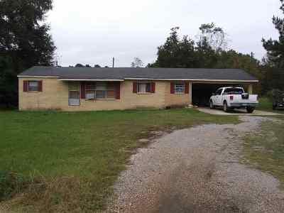 Scott County Single Family Home Contingent/Pending: 1727 N Hwy 481 N