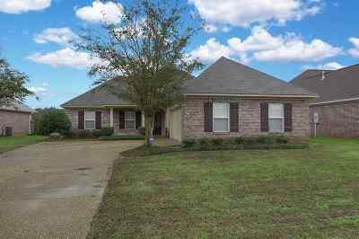 Brandon Single Family Home For Sale: 326 Red Cedar Dr