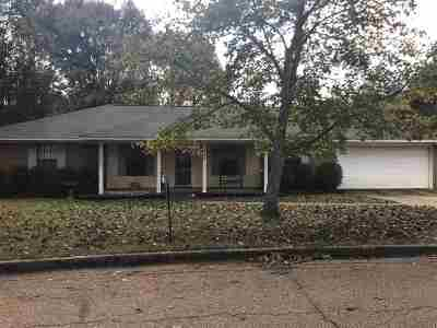 Brandon Single Family Home Contingent/Pending: 113 Fern Dr
