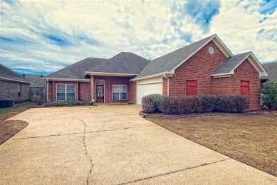 Brandon Single Family Home For Sale: 609 Shea Cove