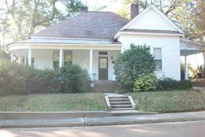 Clinton Single Family Home Contingent/Pending: 206 E Main St