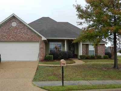 Rankin County Single Family Home For Sale: 700 Wedgewood Ct