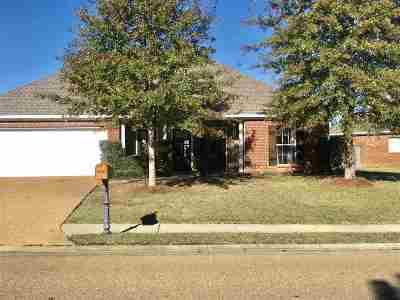 Madison County Single Family Home For Sale: 1910 East Ridge Cir