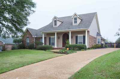 Madison County Single Family Home For Sale: 696 Hazelton Dr
