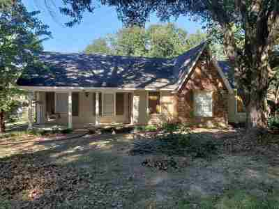 Ridgeland Single Family Home Contingent/Pending: 307 N Longmeadow Ct