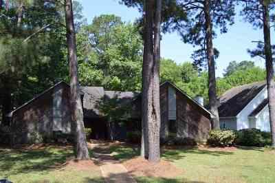 Brandon Multi Family Home For Sale: 108 N Bent Creek Cir