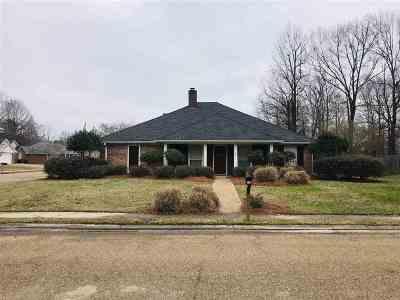 Brandon Single Family Home For Sale: 332 White Oak Dr