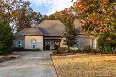 Madison Single Family Home For Sale: 115 Persimmon Pl