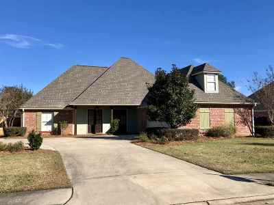 Canton Single Family Home For Sale: 104 Windward Way
