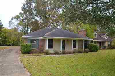 Byram Single Family Home For Sale: 302 River Bend Dr