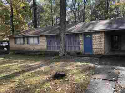 Scott County Single Family Home Contingent/Pending: 837 4th Ave