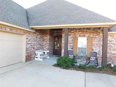 Madison Single Family Home For Sale: 220 Stillhouse Creek Dr