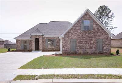 Madison Single Family Home For Sale: 296 Buckhead Dr
