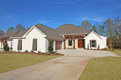 Canton Single Family Home For Sale: 110 Coventry Ln