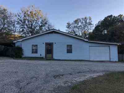 Single Family Home Contingent/Pending: 502 Raleigh Dr