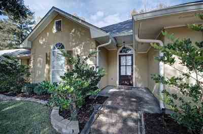 Clinton Single Family Home Contingent/Pending: 702 Winding Hills Dr