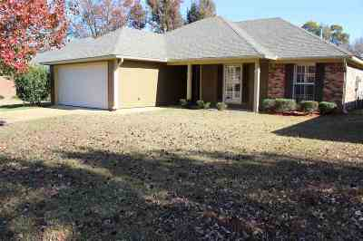 Brandon Single Family Home For Sale: 140 Willow Oak Ln