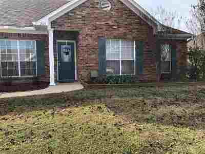 Florence, Richland Single Family Home Contingent/Pending: 215 Prewitt Cir