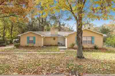 Clinton Single Family Home For Sale: 1302 Beverly Dr
