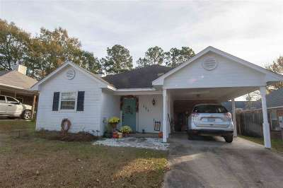 Brandon Single Family Home For Sale: 323 Audubon Cir