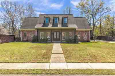 Madison Single Family Home For Sale: 704 Highleadeon Pl