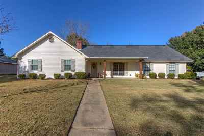 Madison Single Family Home For Sale: 214 Meadowlane Dr