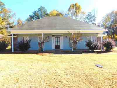 Byram Single Family Home Contingent/Pending: 923 Mountain Crest Dr